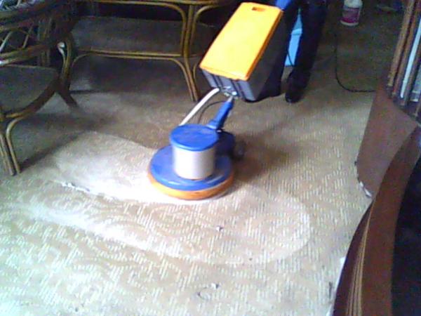 万州物业公司:地毯清洗